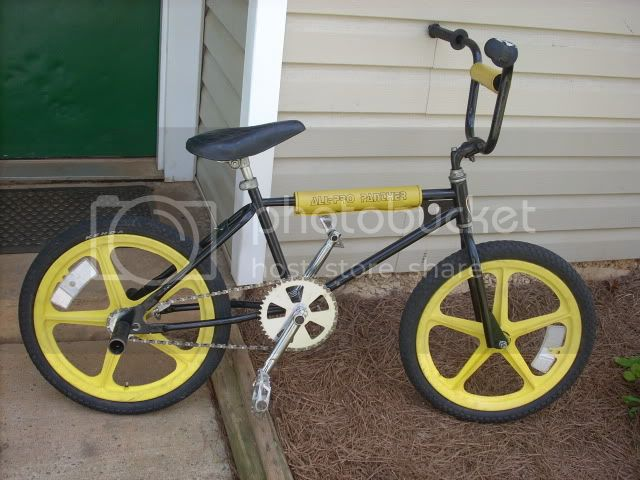 http://i458.photobucket.com/albums/qq308/TS1IS/BMX%20BIKES/DSCN0178.jpg